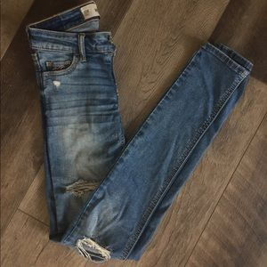 Women's skinny low waisted ripped Hollister Jeans